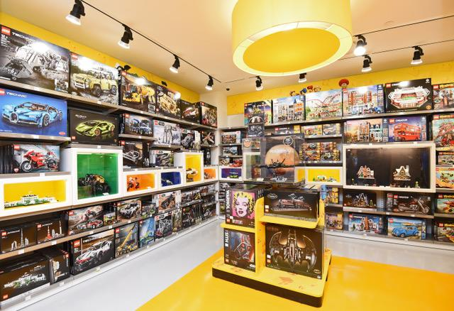 Singapore's first LCS with a dedicated Adults Corner. (PHOTO: Lego Group)