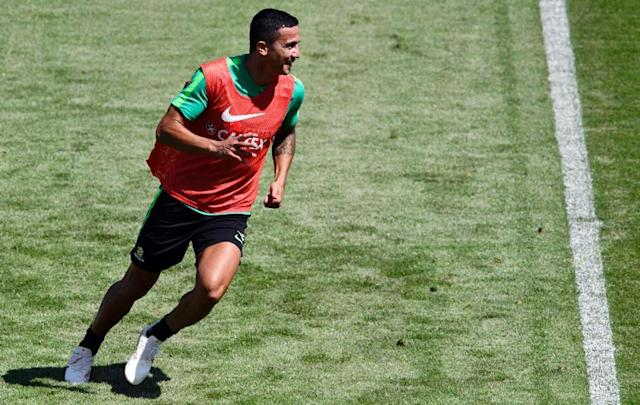 Australia's Tim Cahill trains in Kazan (AFP Photo/SAEED KHAN)