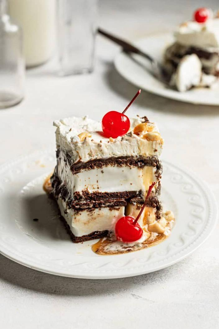 "<a href=""https://www.browneyedbaker.com/ice-cream-sandwich-cake-recipe/"" rel=""nofollow noopener"" target=""_blank"" data-ylk=""slk:Easy Ice Cream Sandwich Cake from Brown Eyed Baker"" class=""link rapid-noclick-resp""><strong>Easy Ice Cream Sandwich Cake from Brown Eyed Baker</strong></a>"