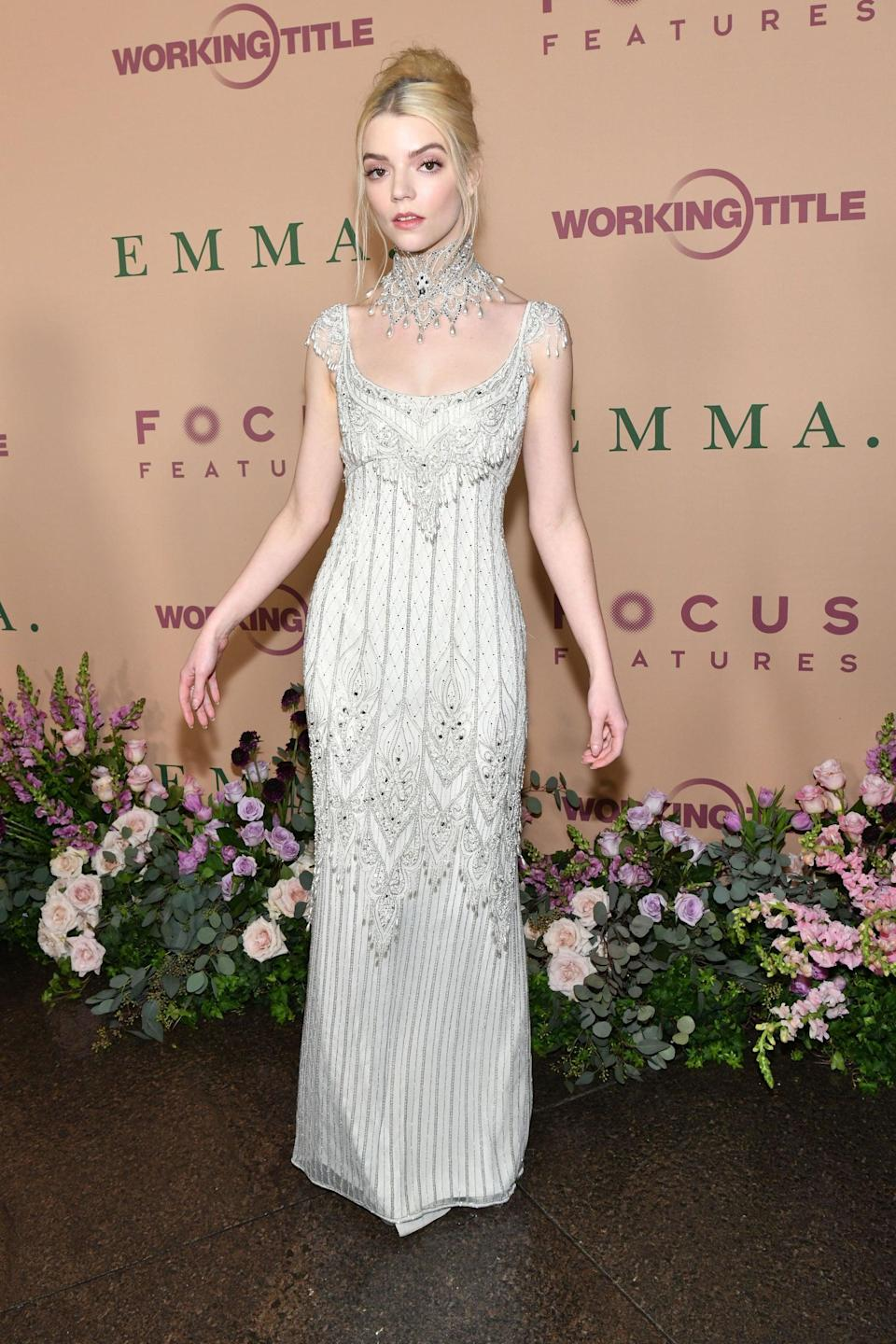 <p>Anya wore this glorious vintage Bob Mackie sheath, embellished with pearls and beads.</p>