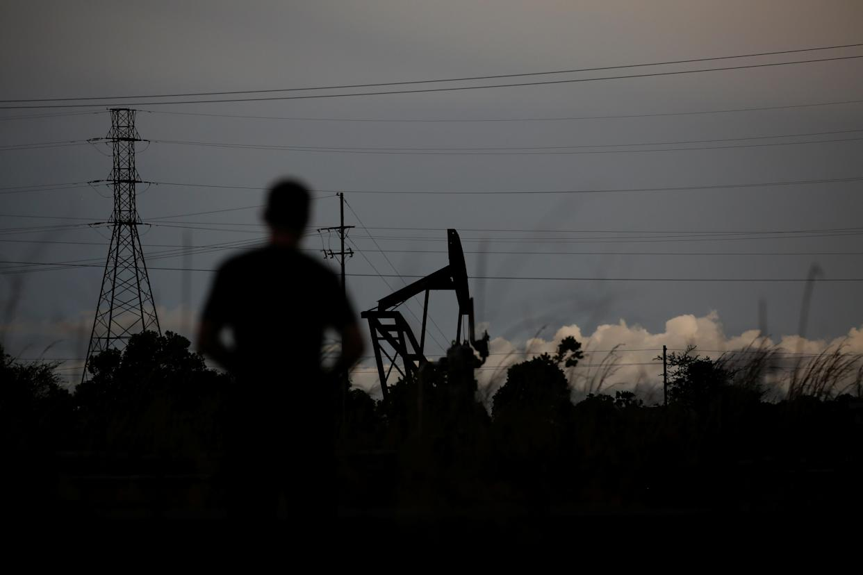 An nonoperative oil pump on the outskirts of El Tigre, Venezuela, on June 2. (Photo: Ivan Alvarado/Reuters)