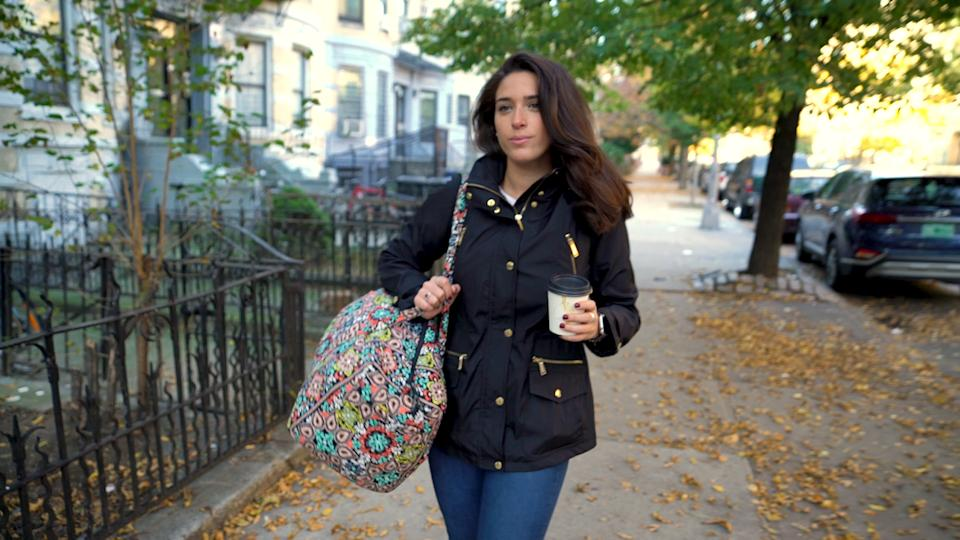 Yahoo Finance's Brooke DiPalma walks to the co-living space in New York from Roomrs that she will experience for one night. (Photo: Ignazio Monda/Cashay)