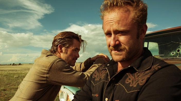 """(L-R) Chris Pine and Ben Foster in """"Hell or High Water."""""""