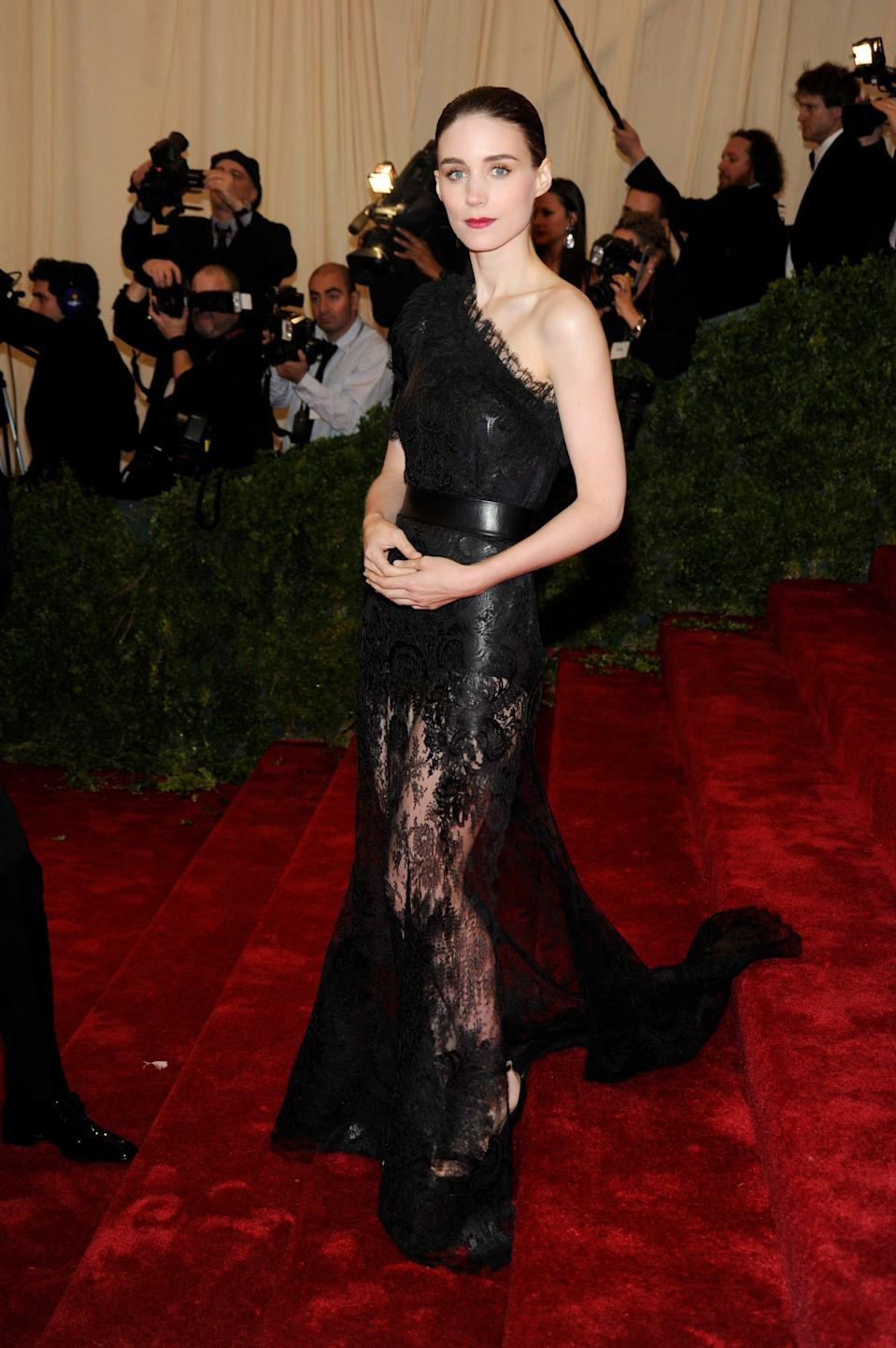 """<h1 class=""""title"""">Rooney Mara in Givenchy, 2012</h1><cite class=""""credit"""">Photo: Getty Images</cite>"""