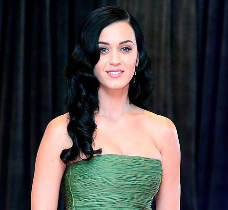 Katy Perry Breaks Down in Tears, Consoled by Cyndi Lauper at Broadway Show