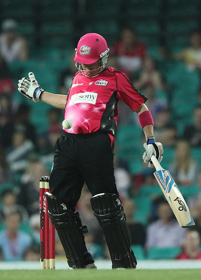SYDNEY, AUSTRALIA - DECEMBER 08:  Brad Haddin of the Sixers controls the ball with his chest during the Big Bash League match between the Sydney Sixers and the Sydney Thunder at Sydney Cricket Ground on December 8, 2012 in Sydney, Australia.  (Photo by Mark Metcalfe/Getty Images)