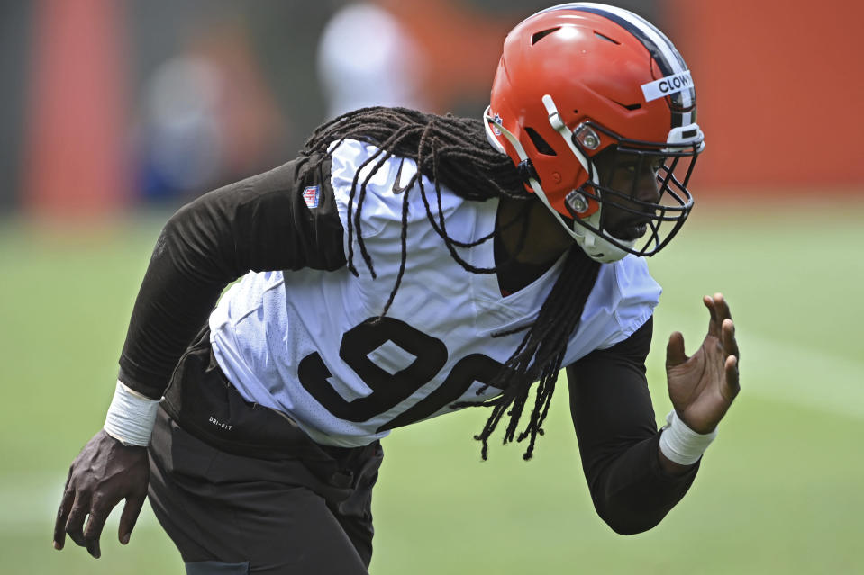 Cleveland Browns defensive linemen Jadeveon Clowney participates in a drill during an NFL football practice at the team training facility, Tuesday, June 15, 2021 in Berea, Ohio. (AP Photo/David Dermer)