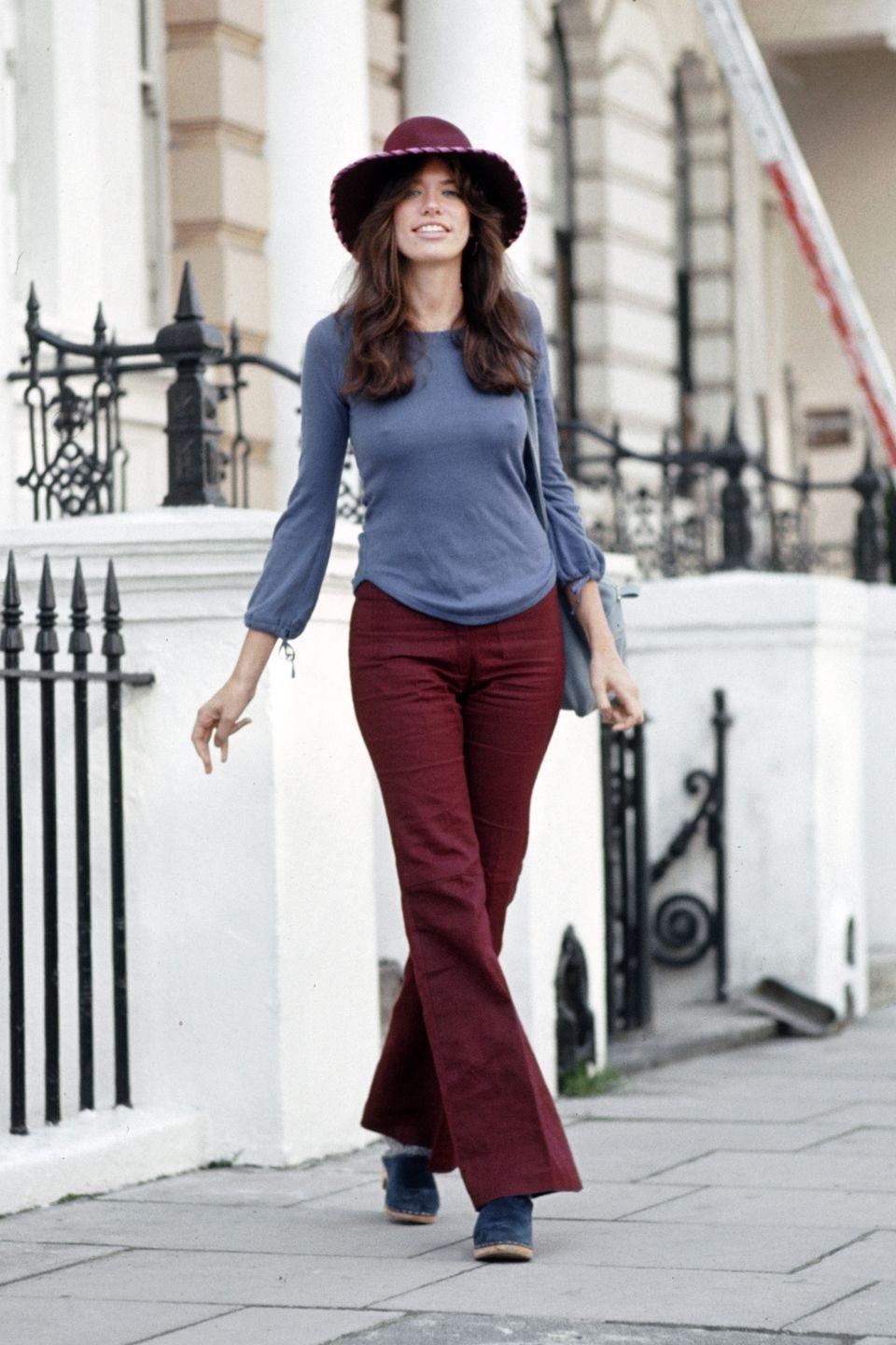 <p>Carly Simon wore a suede version of the popular style while out in London. </p>