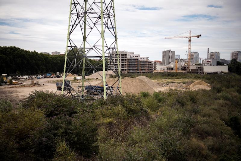The site of the future Olympic village in Saint-Denis, north of Paris (AFP Photo/Lionel BONAVENTURE)