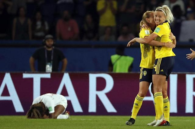 In Paris, more than 38,000 fans saw Sweden edge out fifth-ranked Canada 1-0 at the Parc des Princes thanks to a solitary second-half goal (AFP Photo/THOMAS SAMSON)