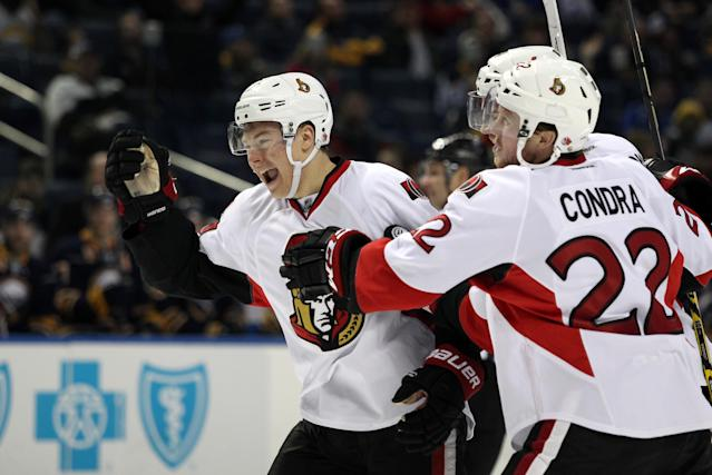 Ottawa Senators right wing Curtis Lazar (27) celebrates his third period goal with teammates against the Buffalo Sabres. (Timothy T. Ludwig-USA TODAY Sports)