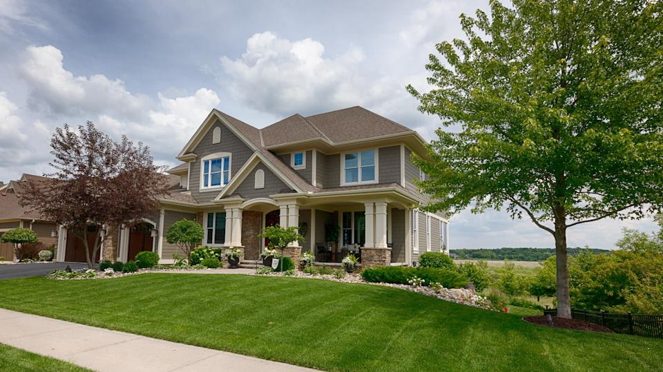 House, Street, Residential Building, USA, Front or Back Yard.