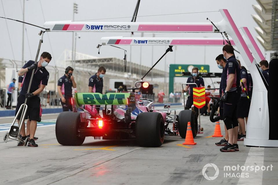 "Sergio Perez, Racing Point RP20, en el carril de pits<span class=""copyright"">Glenn Dunbar / Motorsport Images</span>"