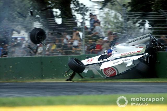 "Accidente de Jacques Villeneuve, BAR Honda 003 <span class=""copyright"">Sutton Motorsport Images</span>"