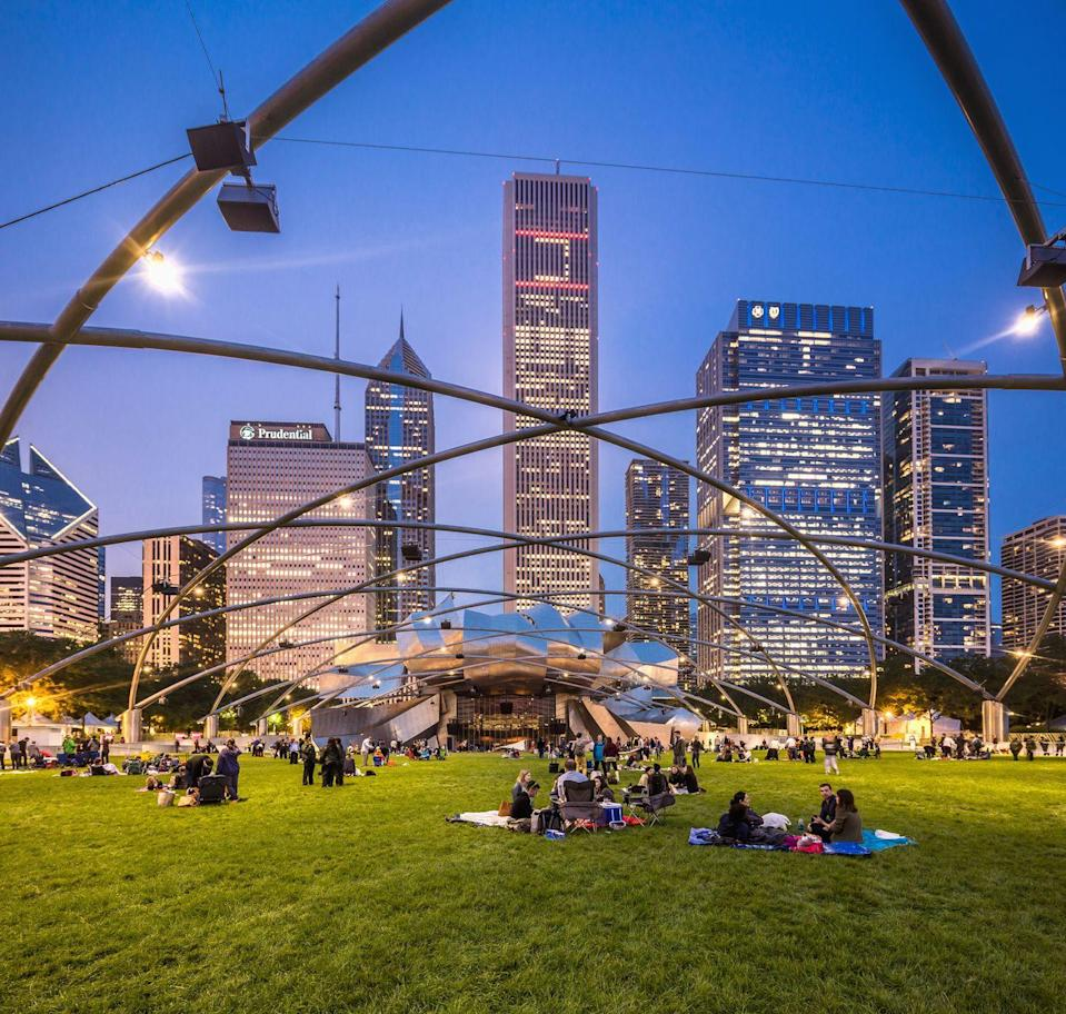 <p>Even if you went to a park once a day, you wouldn't be able to hit every park Chicago has to offer in one year!</p>