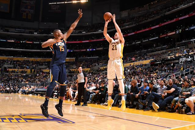 LOS ANGELES, CA - APRIL 8: Travis Wear #21 of the Los Angeles Lakers shoots the ball against the Utah Jazz on April 8, 2018 at STAPLES Center in Los Angeles, California. (Photo by Adam Pantozzi/NBAE via Getty Images)