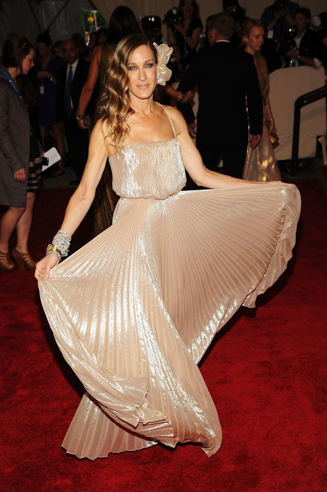 "<p>Sarah Jessica Parker in Halston Heritage attends the Costume Institute Gala Benefit to celebrate the opening of the ""American Woman: Fashioning a National Identity"" exhibition at The Metropolitan Museum of Art on May 3, 2010.</p>"