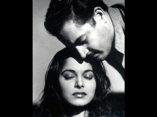 <b>3. Guru Dutt-Waheeda Rehman </b><br>The most enigmatic director-heroine jodi of Bollywood. Though, Guru Dutt directed Waheeda in only two films (Pyaasa, Kaagaz ke Phool), they worked together in five. Waheeda was Guru Dutt's find and he brought her to Bollywood from Telegu films. His films made her a star and in turn, Waheeda lifted his films to another level with her acting and beauty. Guru Dutt fell in love with her and this ruined his married life. Waheeda found success with other banners and drifted away from him. Struggling with failure, both personal and professional, Guru Dutt went into depression and committed suicide.