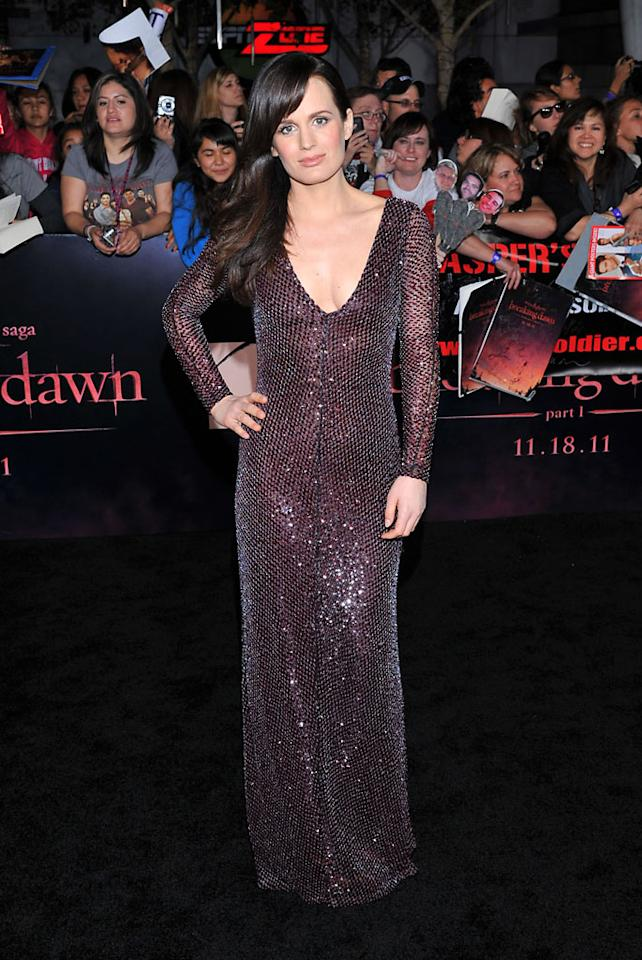 "Elizabeth Reaser arrives at the red carpet premiere for ""The Twilight Saga: Breaking Dawn – Part 1"" in Los Angeles, CA. (Photo by Vince Bucci/Yahoo!)"