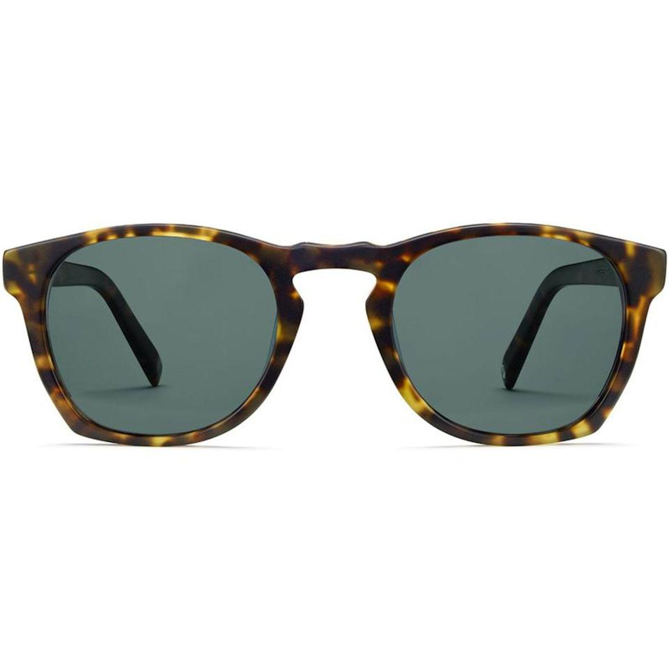 """<p><strong>Warby Parker</strong></p><p>warbyparker.com</p><p><strong>$95.00</strong></p><p><a href=""""https://go.redirectingat.com?id=74968X1596630&url=https%3A%2F%2Fwww.warbyparker.com%2Fsunglasses%2Fwomen%2Ftopper-wide%2Fhazelnut-tortoise-matte&sref=https%3A%2F%2Fwww.cosmopolitan.com%2Flifestyle%2Fg5199%2Flast-minute-gifts%2F"""" rel=""""nofollow noopener"""" target=""""_blank"""" data-ylk=""""slk:Shop Now"""" class=""""link rapid-noclick-resp"""">Shop Now</a></p><p>He'll be so trendy in a pair of marbled frames with polarized lenses.</p>"""