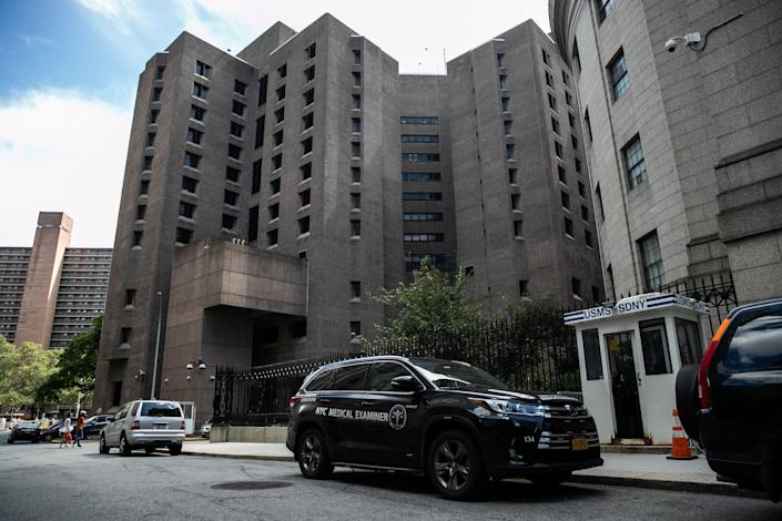 A medical examiner vehicle is seen outside the Metropolitan Correctional Center jail where financier Jeffrey Epstein was found dead on August 10. (Photo: Jeenah Moon / Reuters)