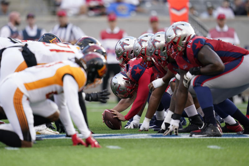 Houston Roughnecks line of scrimmage against the Los Angeles Wildcats during an XFL football game, Saturday, Feb. 8, 2020, in Houston. (AP Photo/Matt Patterson)