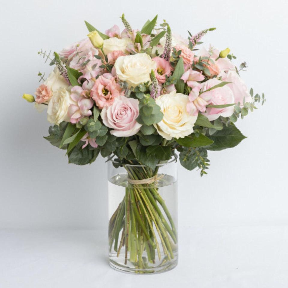"""Ode à la Rose makes bouquets """"the French way,"""" so naturally arrangements come in beautiful pink gift boxes with a French bulldog on them. The flower-delivery service offers same-day shipping in New York City, Chicago, and throughout the Northeast. $80, Felice. <a href=""""https://www.odealarose.com/product/new-pink-flowers-37417"""" rel=""""nofollow noopener"""" target=""""_blank"""" data-ylk=""""slk:Get it now!"""" class=""""link rapid-noclick-resp"""">Get it now!</a>"""