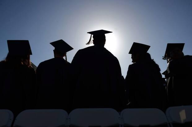 The class of 2018 had a higher unemployment rate than classes surveyed in previous years. (Mark Felix/The Orange County Register/Associated Press - image credit)