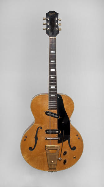 This undated image released by Julien's Auctions shows Les Paul's 1940s Epiphone Zephyr 7133 Klunker Guitar. This item is part of Les Paul's guitars and recording gear up for auction at Julien's Auctions from June 8, 2012 to June 10 in Beverly Hills, Calif. (AP Photo/Julien's Auctions)