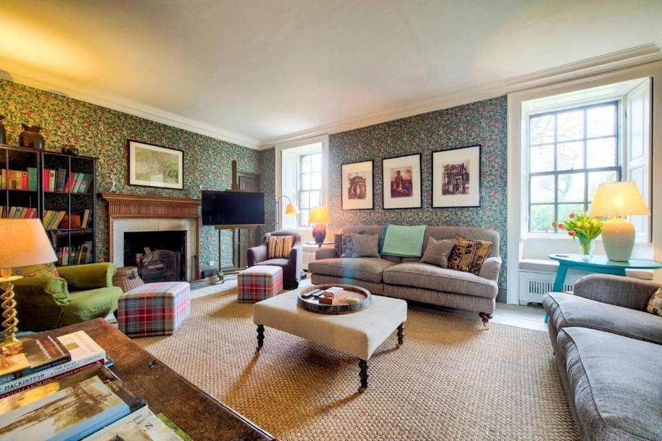 """<p>Edinburgh is an iconic and exciting city, perfect for a family city break for mixed ages, where kids will be kept amused by the wealth of activities on offer and adults can relax with gorgeous views, cultural sites and a glass of whisky. <a href=""""https://go.redirectingat.com?id=127X1599956&url=https%3A%2F%2Fwww.booking.com%2Fhotel%2Fgb%2Frock-house-historic-gem-heart-of-the-city.en-gb.html%3Faid%3D2070936%26label%3Dprima-family-hotels-uk&sref=https%3A%2F%2Fwww.prima.co.uk%2Ftravel%2Fg37009633%2Ffamily-hotels-uk%2F"""" rel=""""nofollow noopener"""" target=""""_blank"""" data-ylk=""""slk:Rock House"""" class=""""link rapid-noclick-resp"""">Rock House</a> has the city on its doorstep, with the National Museum of Scotland, Edinburgh Castle and University of Edinburgh just around the corner. </p><p>The whole place can be rented as self-catering accommodation as there's a well-stocked kitchen, an AGA and plenty of cooking equipment - plus excellent bars and restaurants just a short walk away for when you're tired of sorting yourself out. With two double rooms and two twin rooms, the space is flexible for friends and extended families, with sufficient privacy and great shared areas - including the garden, courtyard and terrace, with their grand views of the city.</p><p><a class=""""link rapid-noclick-resp"""" href=""""https://go.redirectingat.com?id=127X1599956&url=https%3A%2F%2Fwww.booking.com%2Fhotel%2Fgb%2Frock-house-historic-gem-heart-of-the-city.en-gb.html%3Faid%3D2070936%26label%3Dprima-family-hotels-uk&sref=https%3A%2F%2Fwww.prima.co.uk%2Ftravel%2Fg37009633%2Ffamily-hotels-uk%2F"""" rel=""""nofollow noopener"""" target=""""_blank"""" data-ylk=""""slk:CHECK AVAILABILITY"""">CHECK AVAILABILITY</a></p>"""