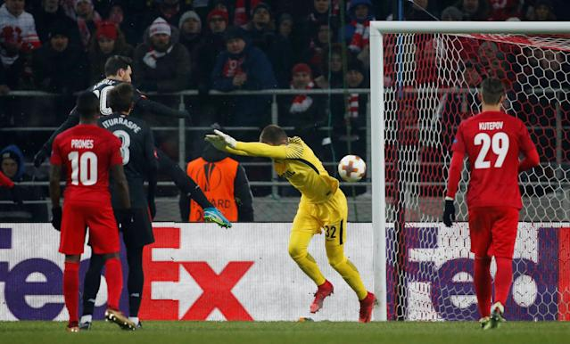 Soccer Football - Europa League Round of 32 First Leg - Spartak Moscow vs Athletic Bilbao - Otkrytiye Arena, Moscow, Russia - February 15, 2018 Athletic Bilbao's Aritz Aduriz scores their second goal REUTERS/Maxim Shemetov