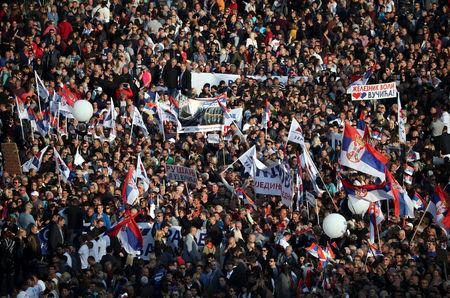 "Supporters of Serbian President Aleksandar Vucic attend his campaign rally ""The Future of Serbia"" in front of the Parliament Building in Belgrade, Serbia, April 19, 2019. REUTERS/Marko Djurica"