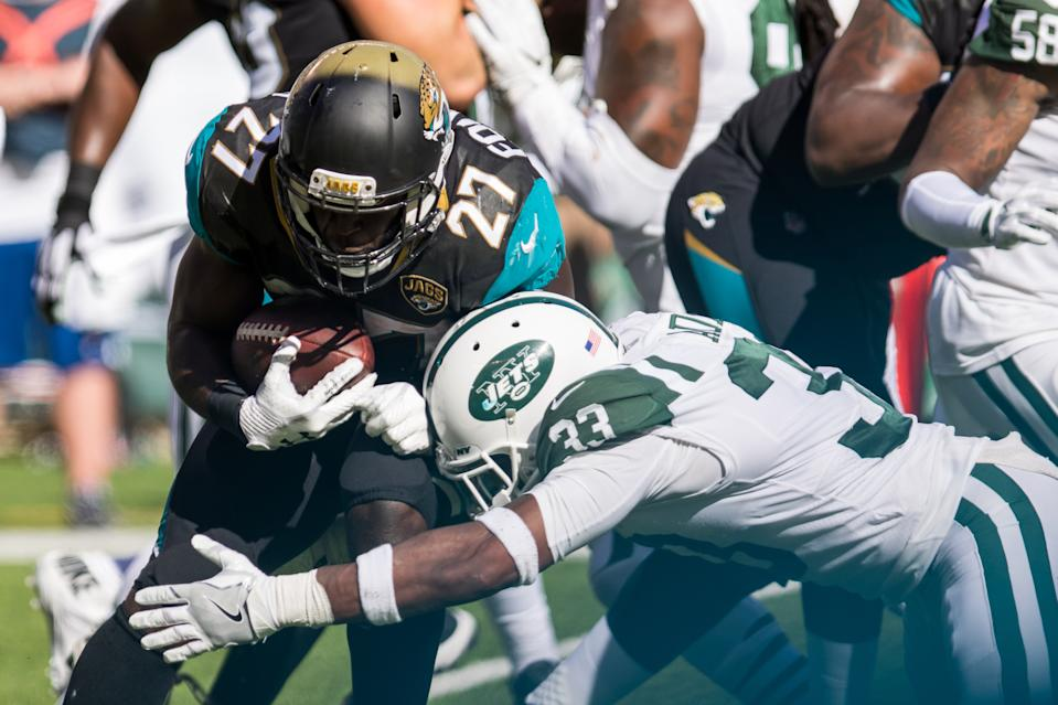 Jamal Adams and Leonard Fournette faced off in the world of Twitter on Friday. (Photo by David Hahn/Icon Sportswire via Getty Images)