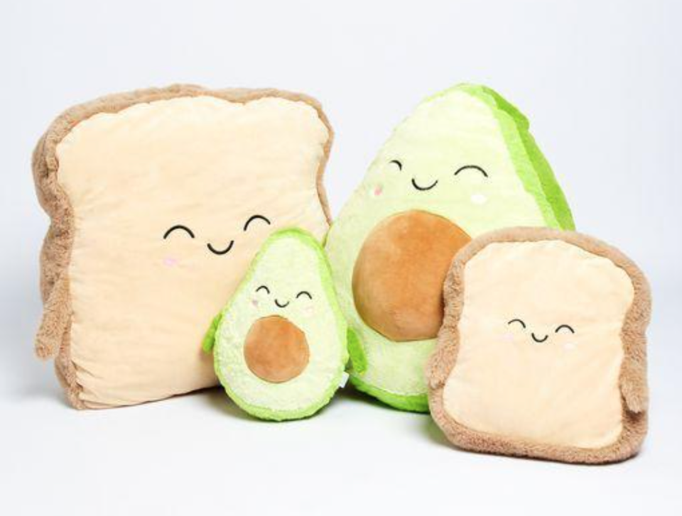 plush avo and toast toys from Oodie