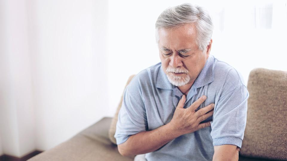 heartburn or chest pain for a man clutching his chest, airplane facts