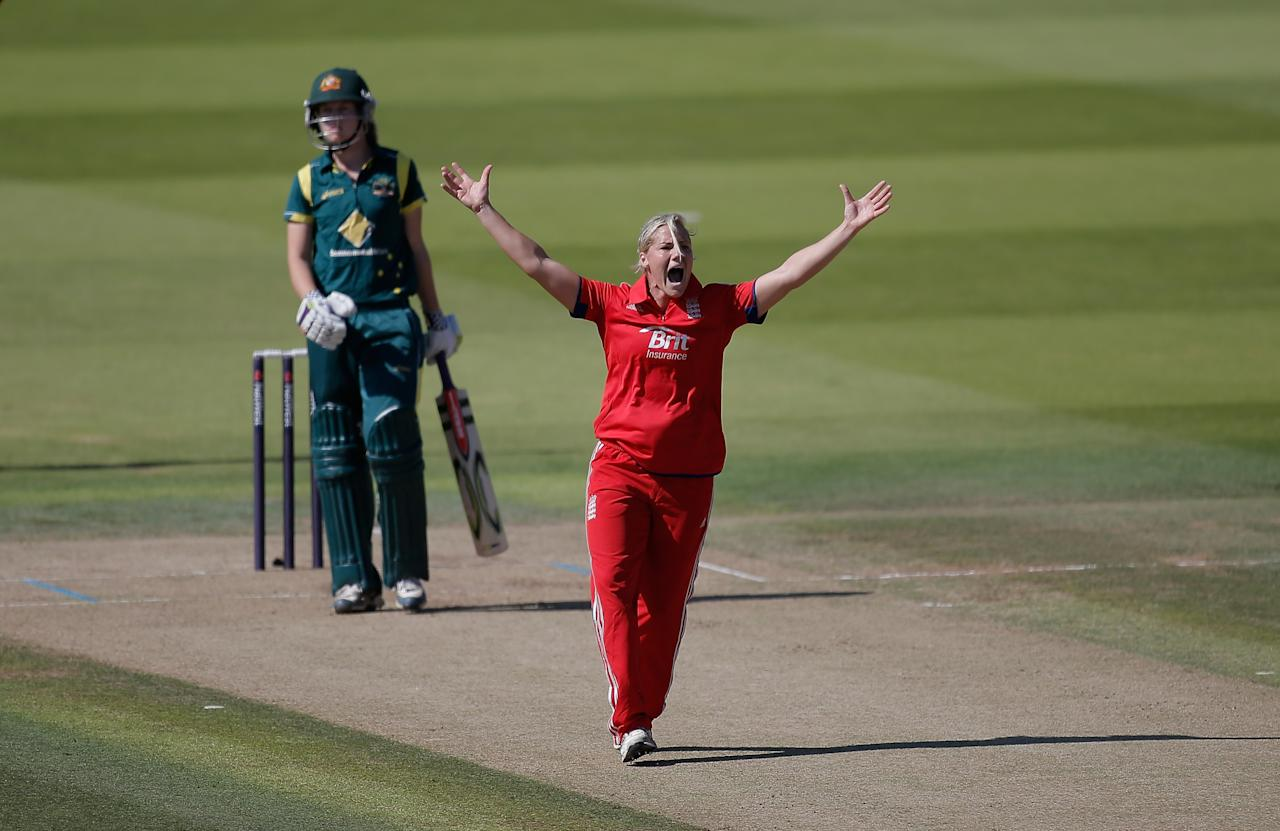LONDON, ENGLAND - AUGUST 20: Katherine Brunt of England appeals in vain for the wicket of Meg Lanning of Australia during the first NatWest One Day International match between England and Australia at Lord's Cricket Ground on August 20, 2013 in London, England.  (Photo by Harry Engels/Getty Images)