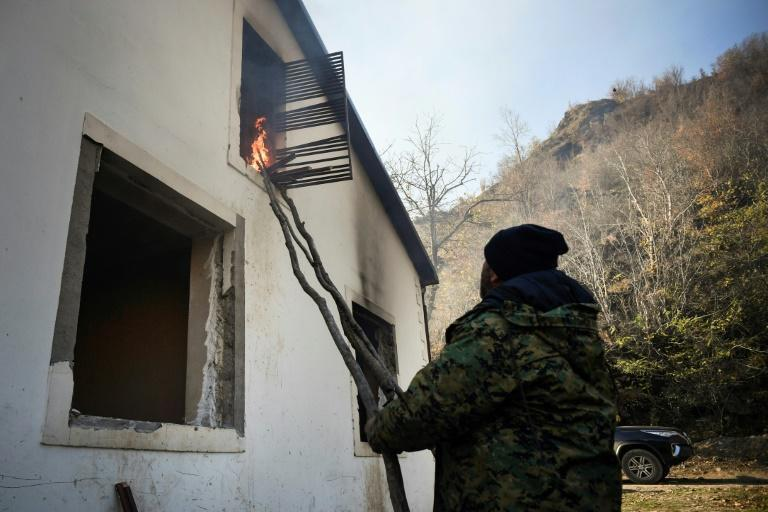A resident sets fire to his home in Charektar