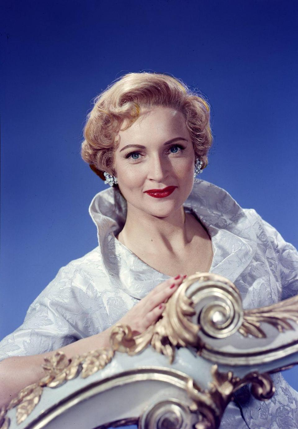 <p>Betty's makeup is flawless in this promo shot for the aptly-named <em>Betty White Show</em>. </p>