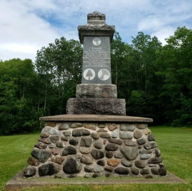 This monument to the Selkirk Settlers who arrived on P.E.I. from Scotland in 1803 stands at the church in Belfast, P.E.I. (Jayne Ings - image credit)
