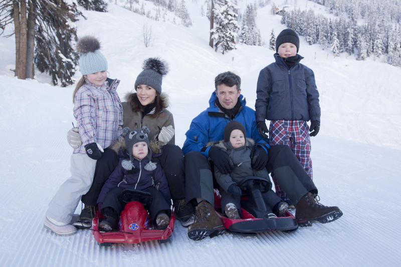 Crown Prince Frederik Crown Princess Mary and children in Switzerland skiing