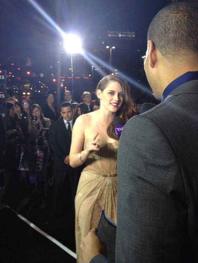 Kristen Stewart looking elegant for her final Saga premiere in LA!