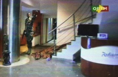 Still image from video shows the lobby of the Radisson hotel in Bamako, Mali, November 20, 2015. REUTERS/REUTERS TV