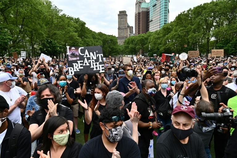 Demonstrators in New York protest the death of George Floyd (AFP Photo/ANGELA WEISS)