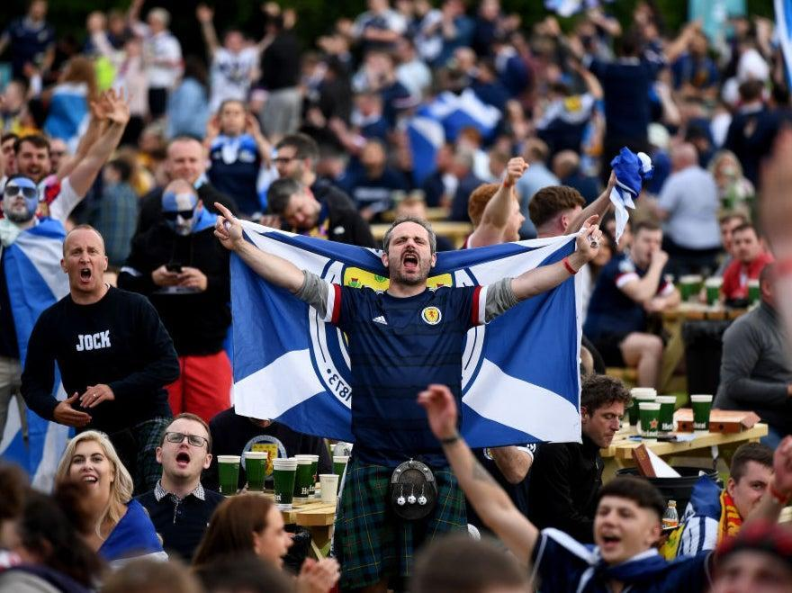 Fans in Glasgow react during Scotland's draw with England (Getty Images)