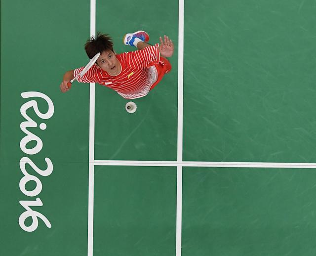 <p>Liang Derek Wong Zi of Singapore in action during his Badminton Mens Singles match against Chong Wei Lee of Malaysia on Day 9 of the Rio 2016 Olympic Games at Riocentro – Pavilion 4 on August 14, 2016 in Rio de Janeiro, Brazil. (Photo by Laurence Griffiths/Getty Images) </p>