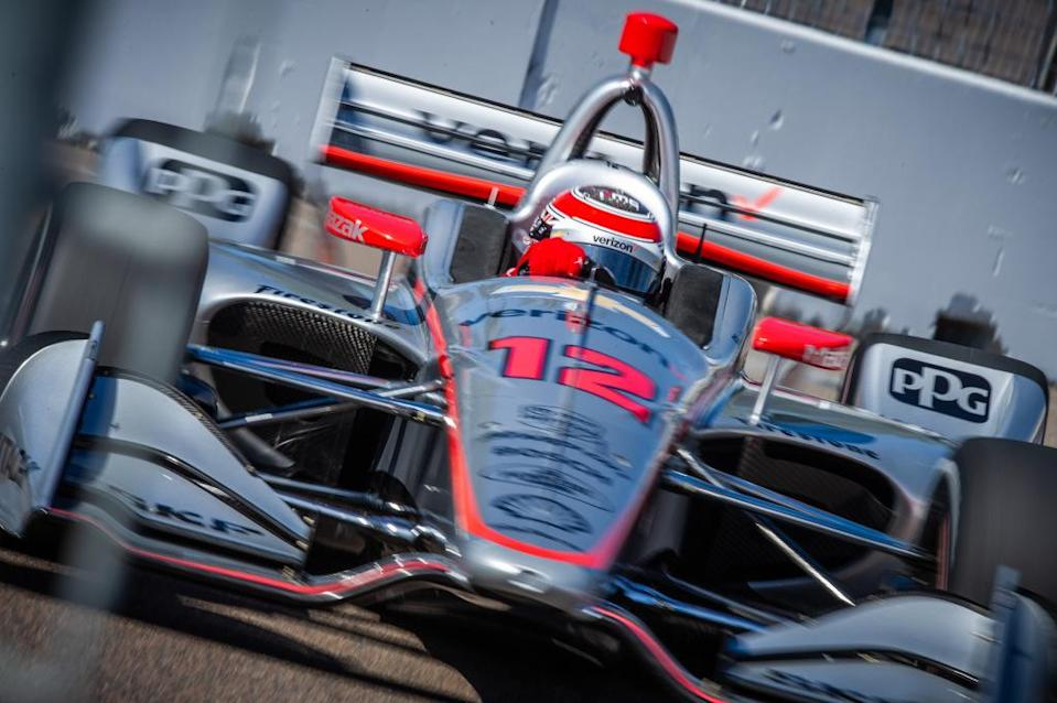 Will Power turns a lap on the streets of St. Petersburg. (Karl Zemlin/IndyCar)
