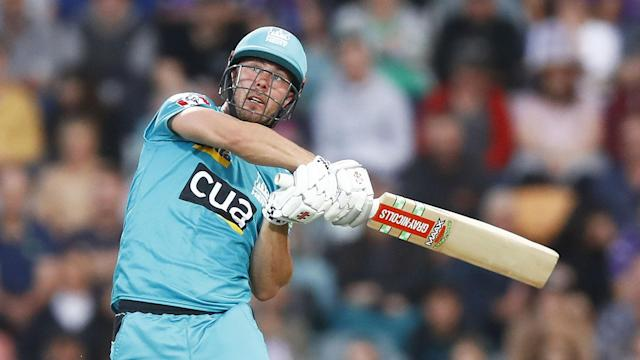 Excellent half-centuries from Chris Lynn and Max Bryant left Hobart Hurricanes with too much to do against Brisbane Heat in the BBL.