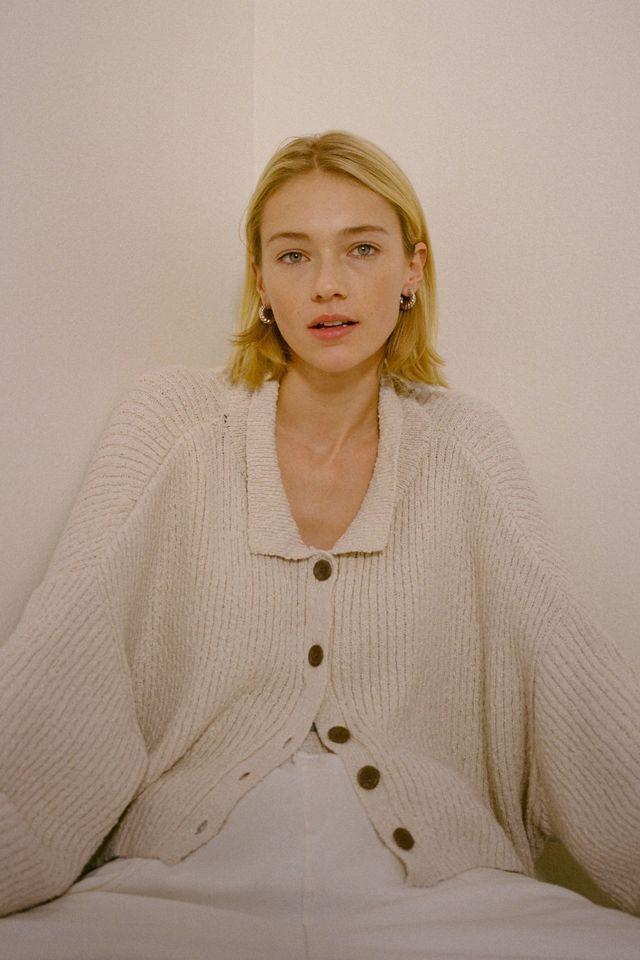 """<br><br><strong>Urban Outfitters</strong> Simona Ribbed Cardigan, $, available at <a href=""""https://go.skimresources.com/?id=30283X879131&url=https%3A%2F%2Fwww.urbanoutfitters.com%2Fshop%2Fuo-simona-ribbed-cardigan"""" rel=""""nofollow noopener"""" target=""""_blank"""" data-ylk=""""slk:Urban Outfitters"""" class=""""link rapid-noclick-resp"""">Urban Outfitters</a>"""