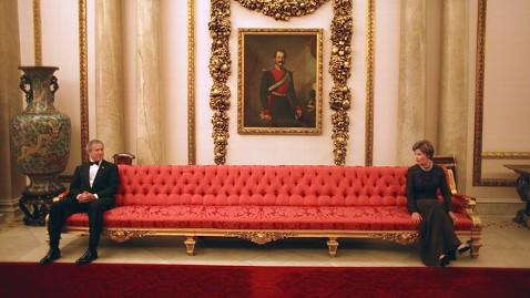 ht george w bush laura bush couch 2003 jt 130331 wblog White House Photographer Offers a Front Row Seat to the Presidency