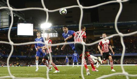 Costa ends goal drought as Chelsea moves closer to title